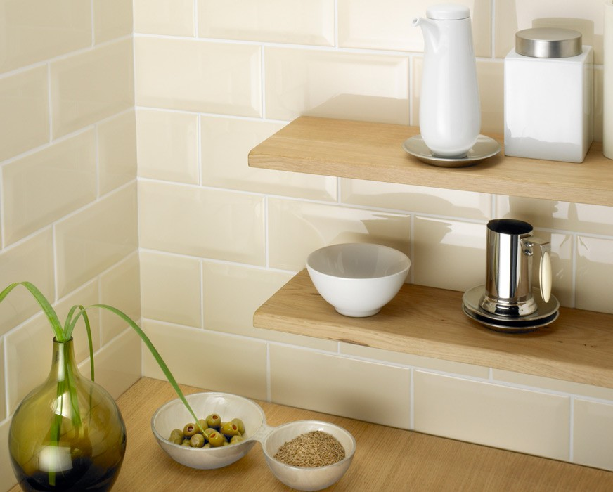 Metro bevelled edge 200x100 cream tile 1485 metro for Metro tiles kitchen ideas