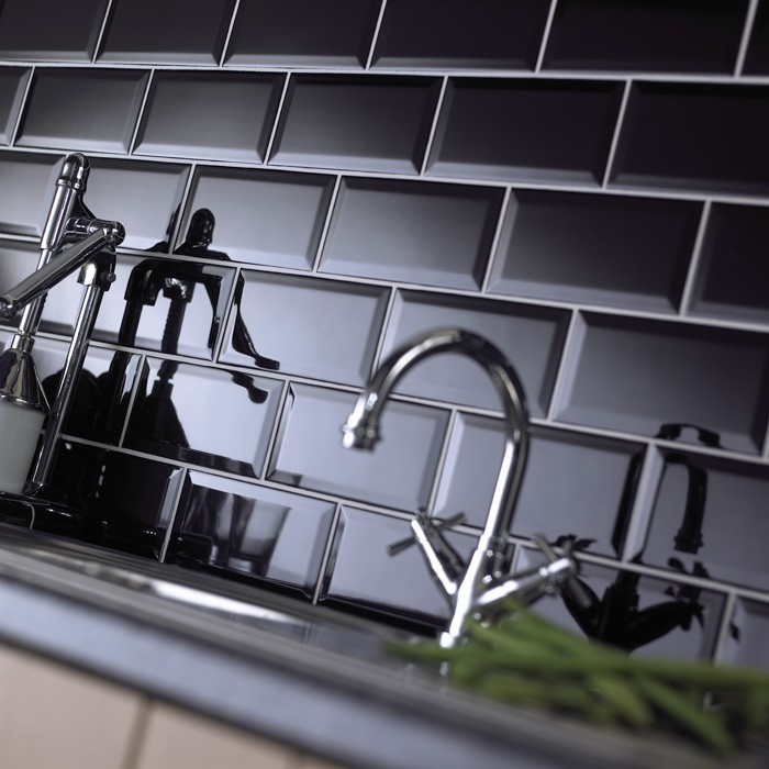 Black Gloss Kitchen Wall Tiles: Metro Bevelled Edge 200x100